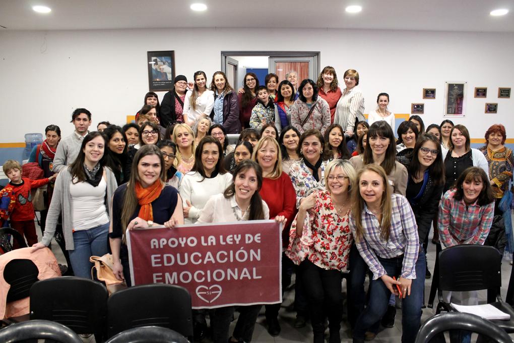 El Movimiento Popular Fueguino realizó una Jornada de Educación Emocional con gran participación de educadores
